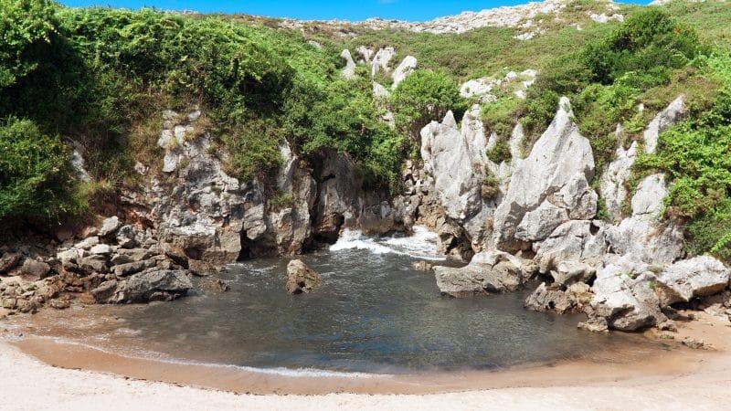 Gulpiyuri Beach in Spanje