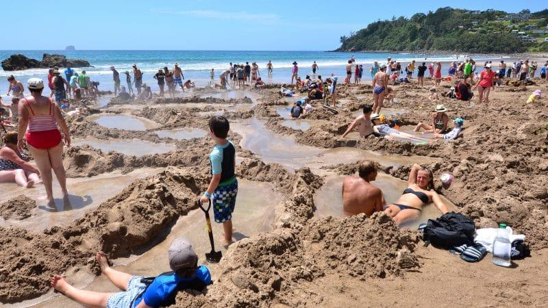 Hot Water Beach in Nieuw-Zeeland